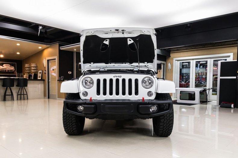 2016 Jeep Wrangler 72