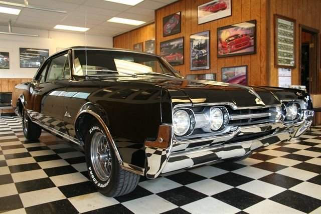 1967 oldsmobile cutlass club coupe