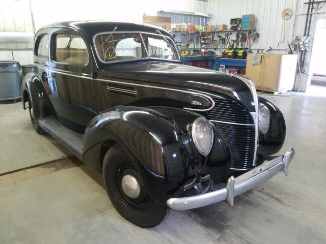 1939 Ford Model 18