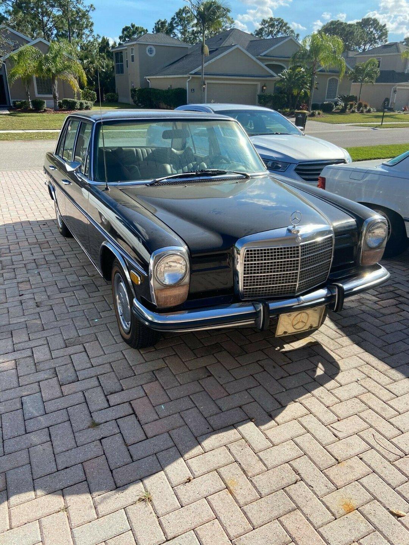 1973 Mercedes-Benz 220
