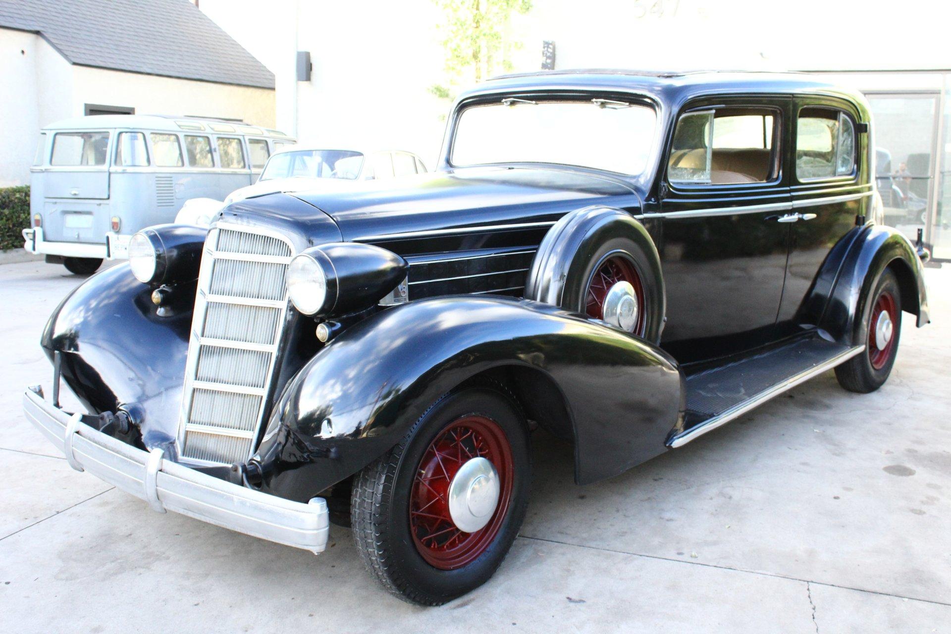 1935 Cadillac 355E