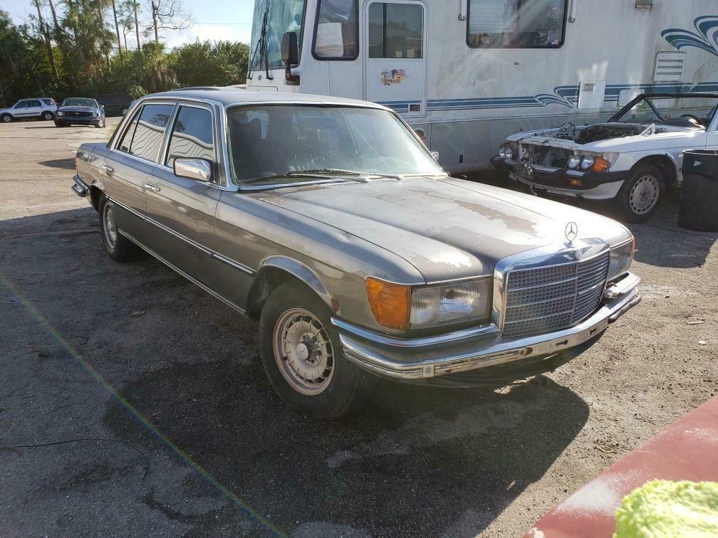 1980 Mercedes-Benz 450 SEL 6.9 Euro Version