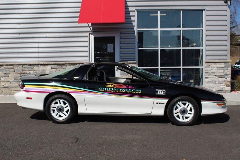 1993 Chevrolet Camaro 2