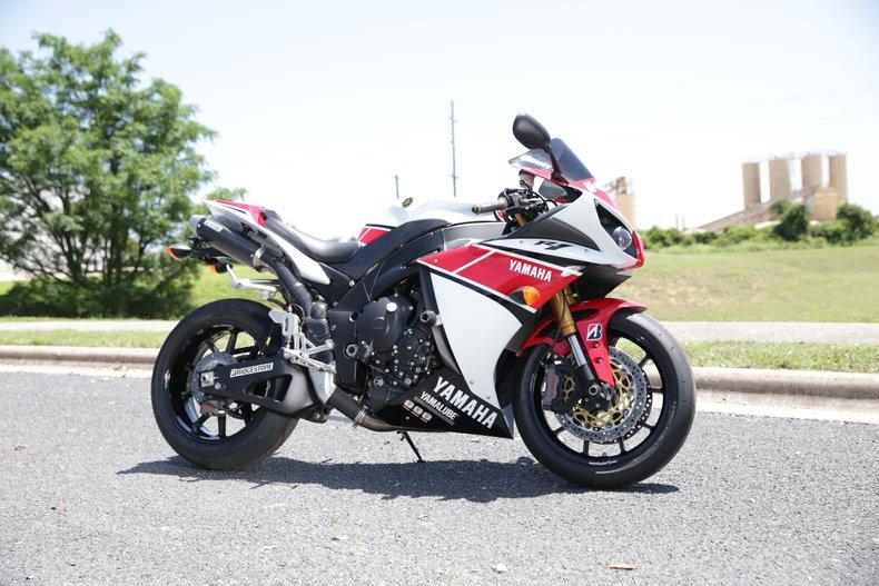 2011 Yamaha R1 Custom
