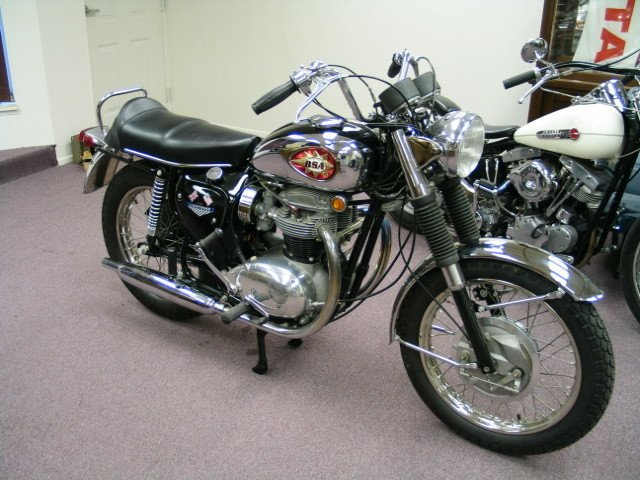 1968 RESTORED BSA Lightning