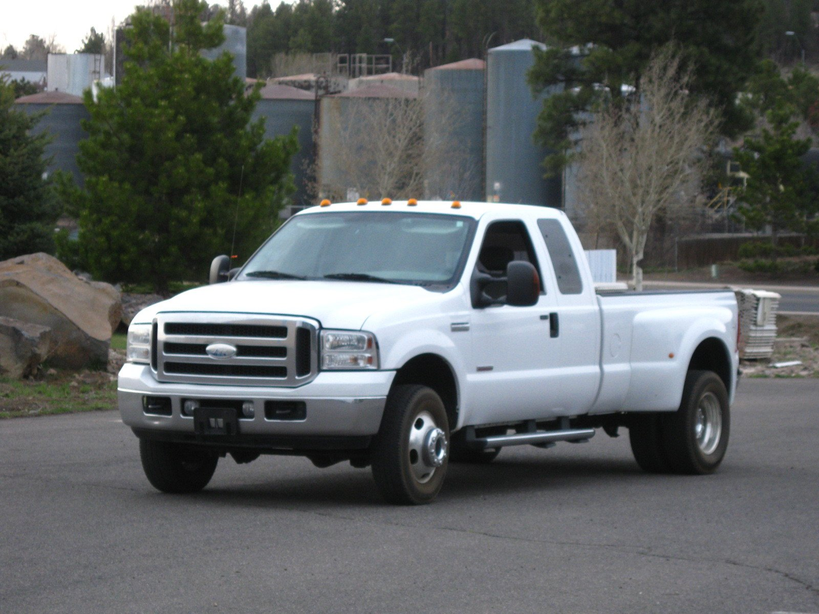 2005 Ford F-350 TURBO DIESEL 4x4 DUALLY EXTENDED CAB