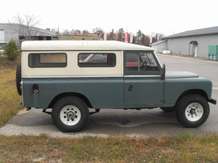1979 Land Rover 109 WAGON - PROJECT NEEDS MOTOR