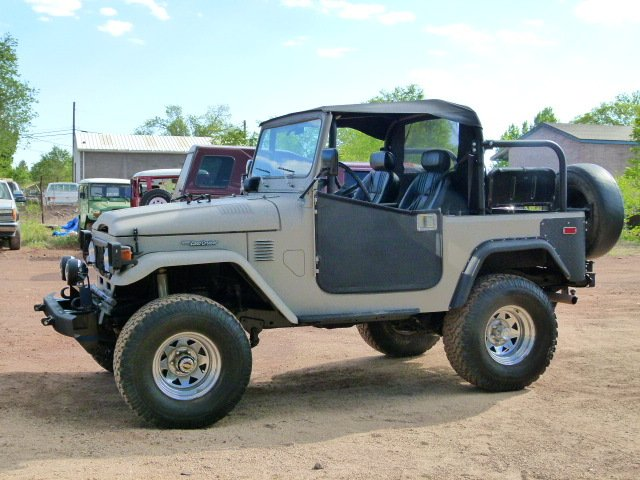 ANY Toyota FJ40 LAND CRUISER - THE HUNTER