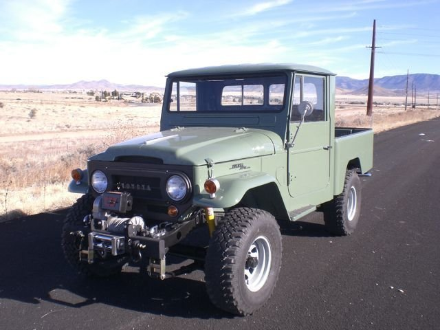 1964 SPLIT WINDOW Toyota FJ45 PICKUP