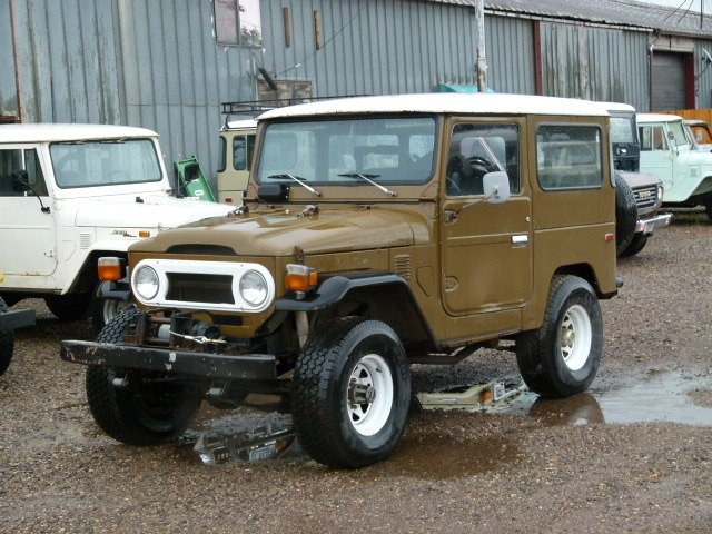 1976 Toyota FJ40 Barn Find, Faded Original Pint, Rust free