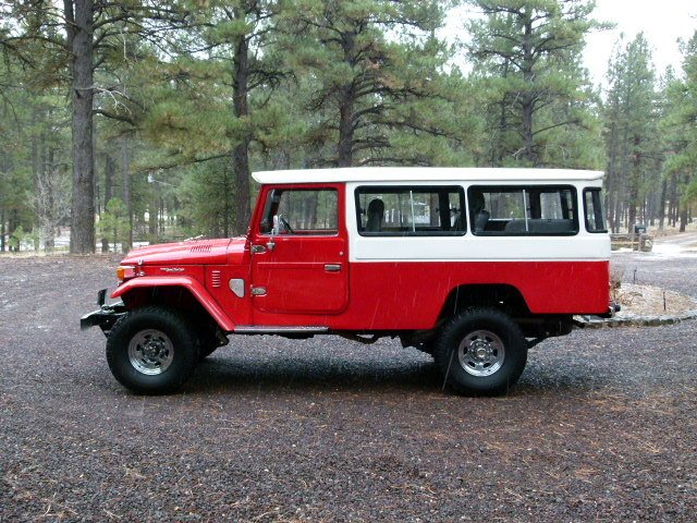 1981 Toyota BEST-OF-THE-BEST LHD FJ45 TROOPY LOADED AC PS