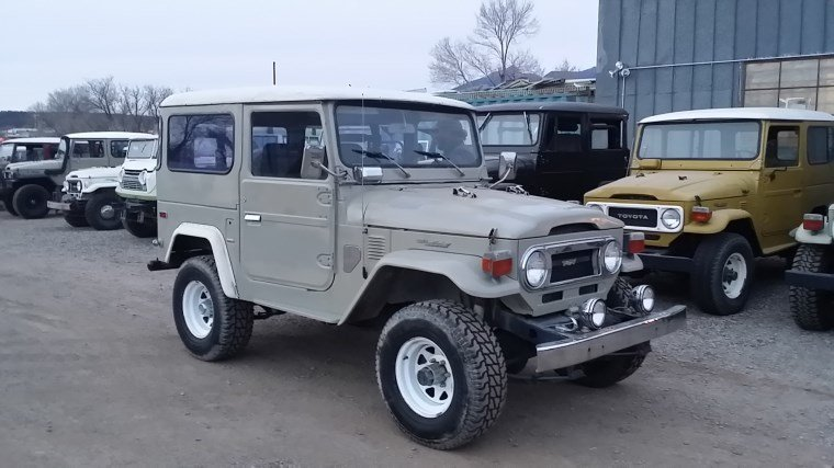 1976 Toyota FJ40 SUPER LOW MILES - 2 OWNERS - RUST FREE - LOAD