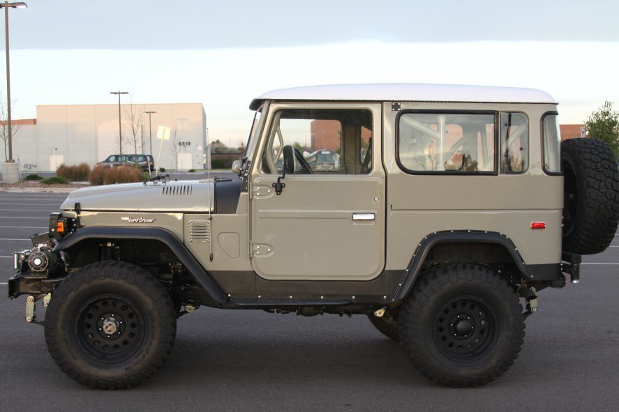 1978 Toyota FJ40 MEGA OUTBACK CUSTOM - LOADED - BEST OF BREED