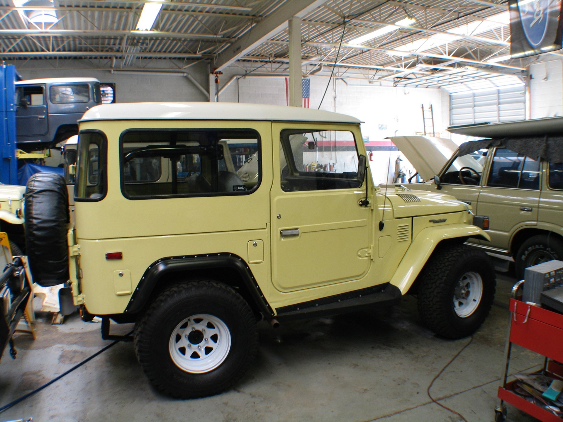 1975 CUSTOM Toyota FJ40 HIGH END CUSTOM