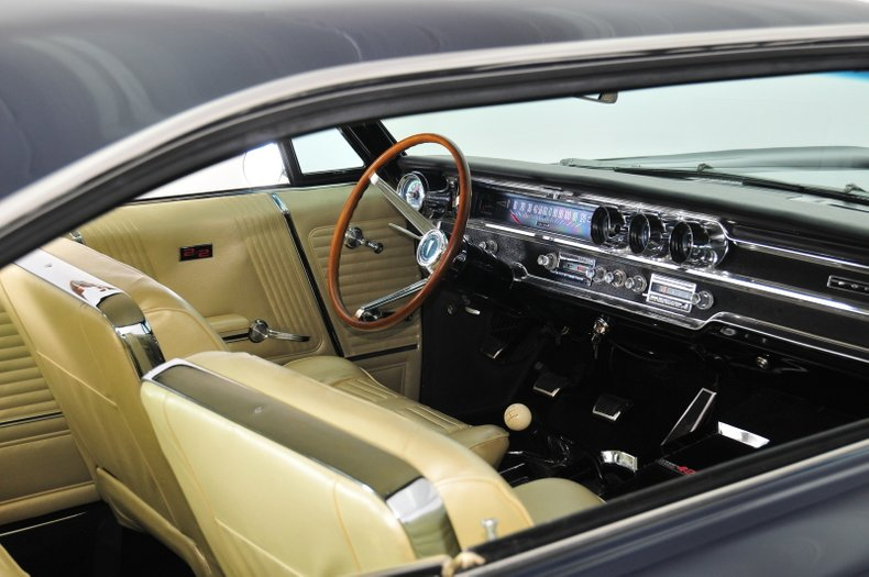 1965 Pontiac 2+2