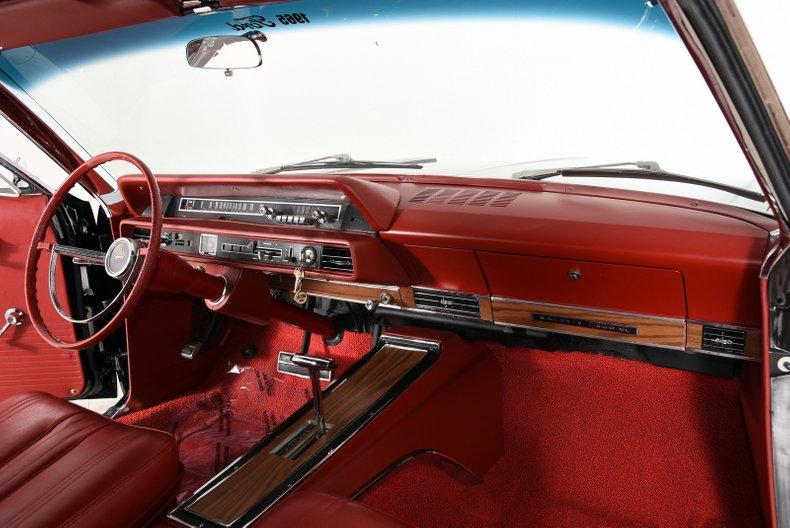 1965 Ford Galaxie 500XL 39