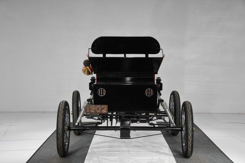 1902 Oldsmobile curved dash