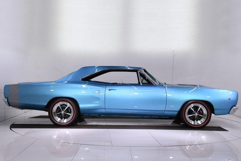 1968 Dodge Coronet 34