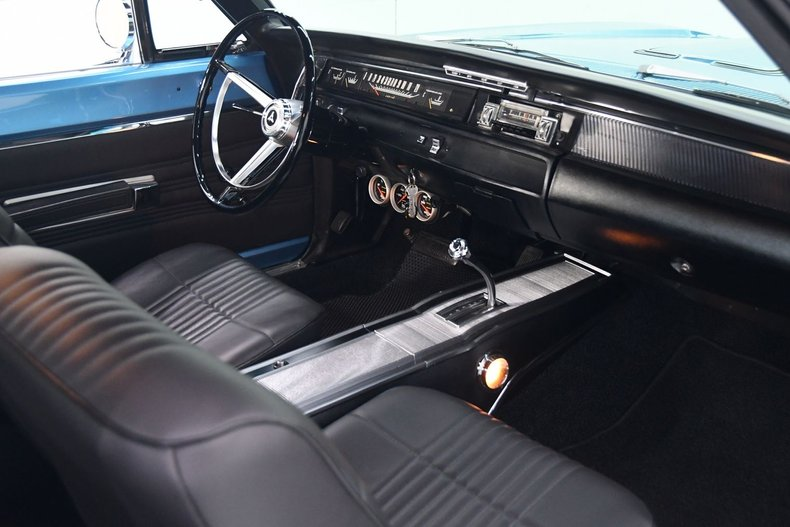 1968 Dodge Coronet 36