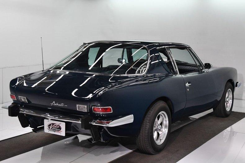 1981 Avanti II