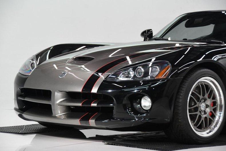 2005 Dodge Viper