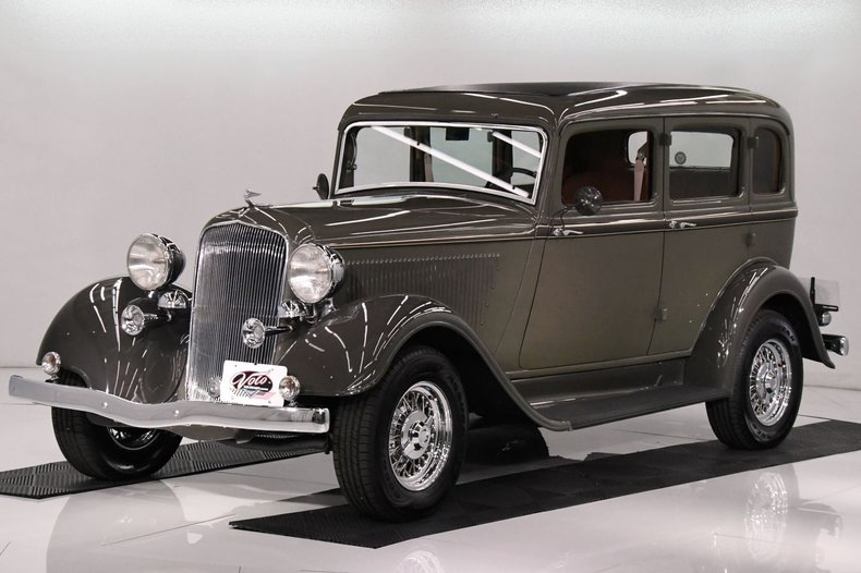 1933 Plymouth Sedan