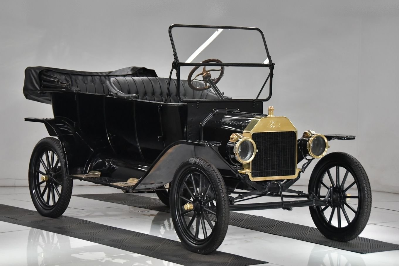 1918 ford model t touring