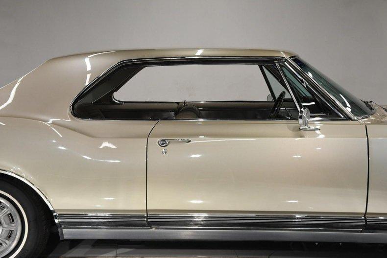 1965 Oldsmobile Starfire