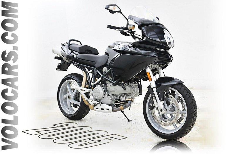 2005  Ds1000