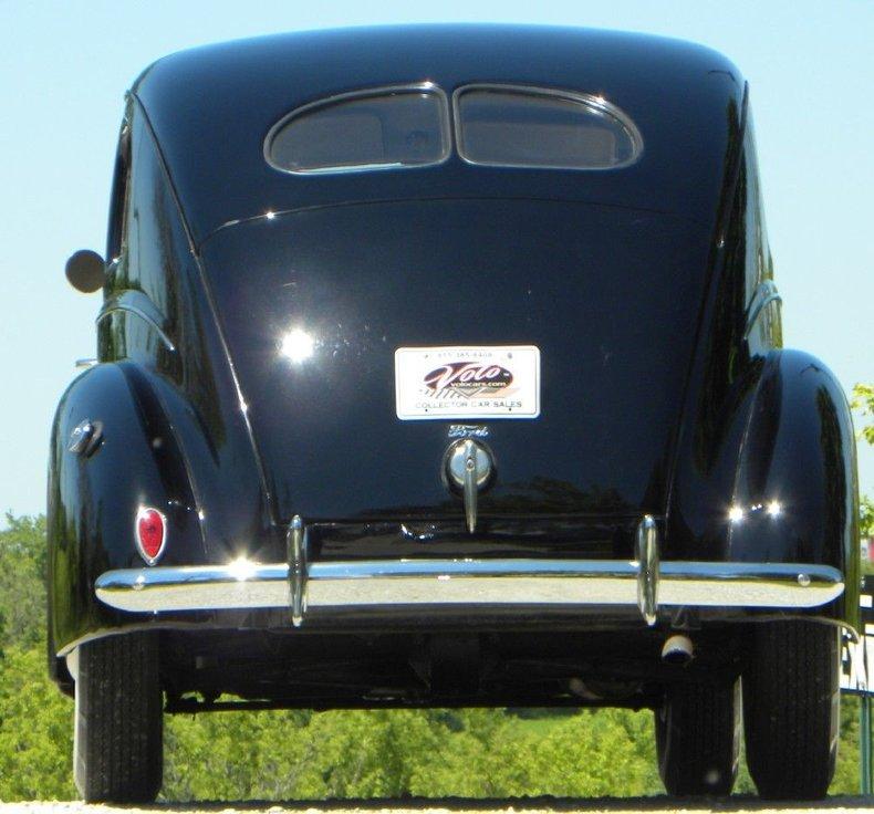 1939 Ford Deluxe Fordor Sedan