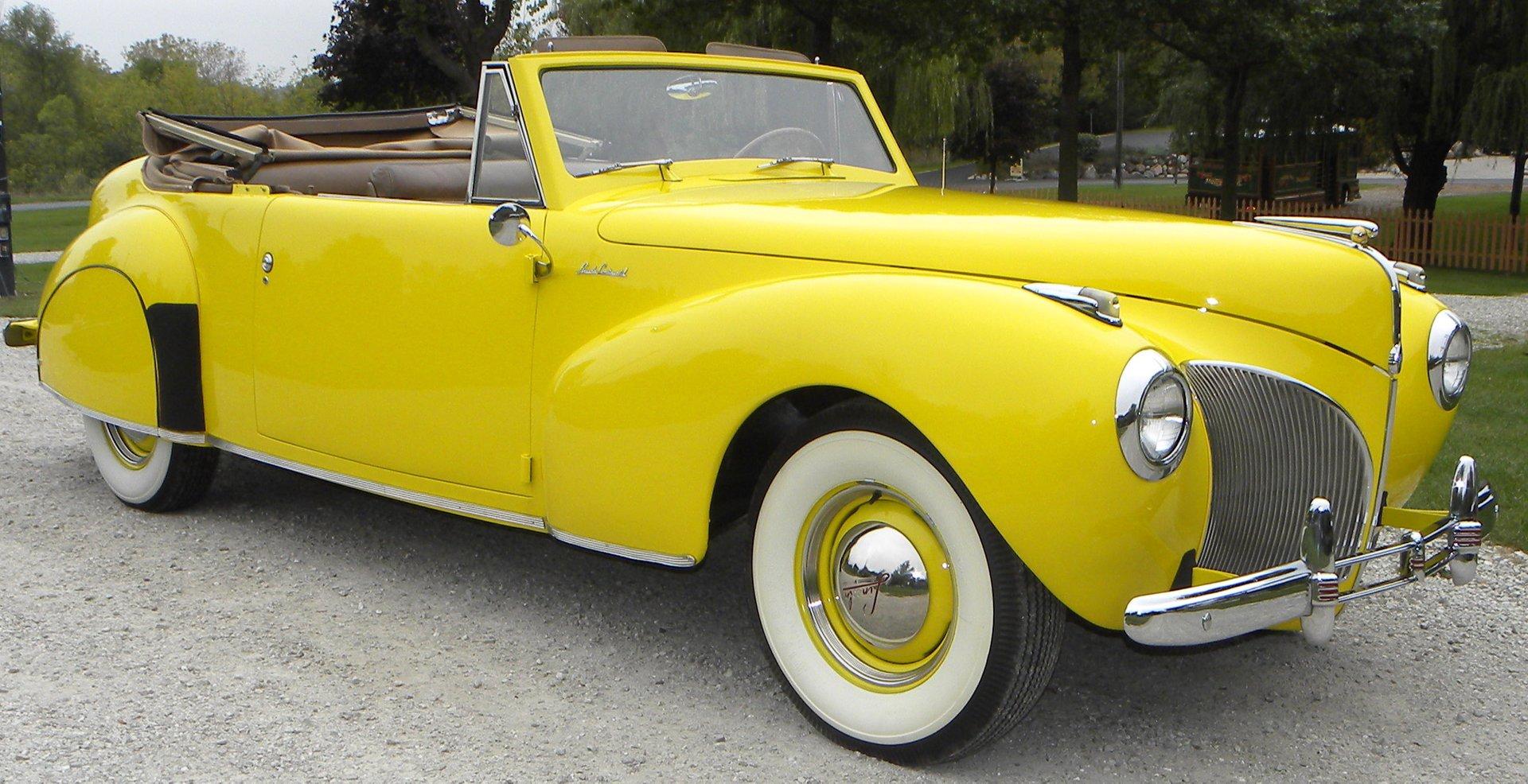 1941 Lincoln Continental Volo Auto Museum Interior 2