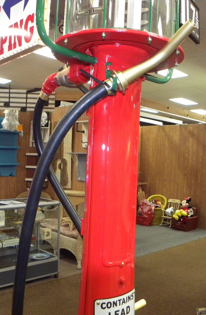 1931 Visible Gas Pumps Fry Model 117