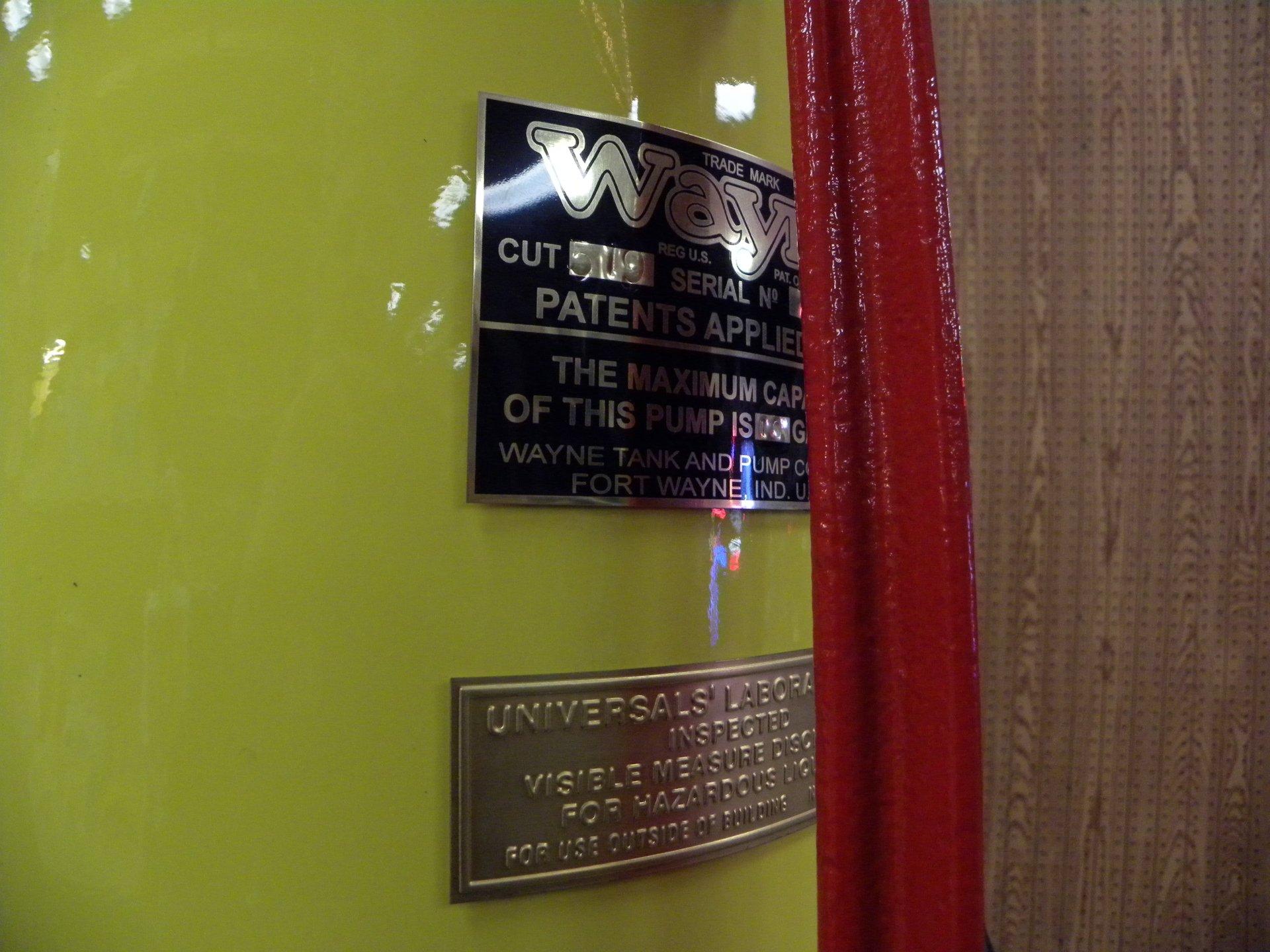 1929 Visible Gas Pumps Wayne   Volo Auto Museum