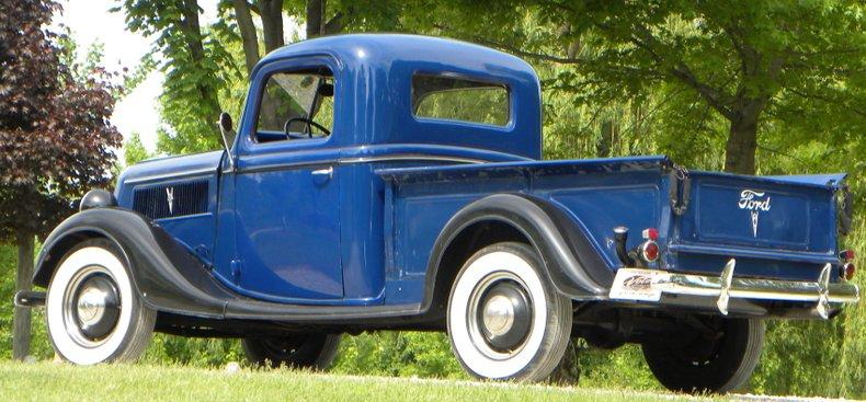 1937 Ford Model 77