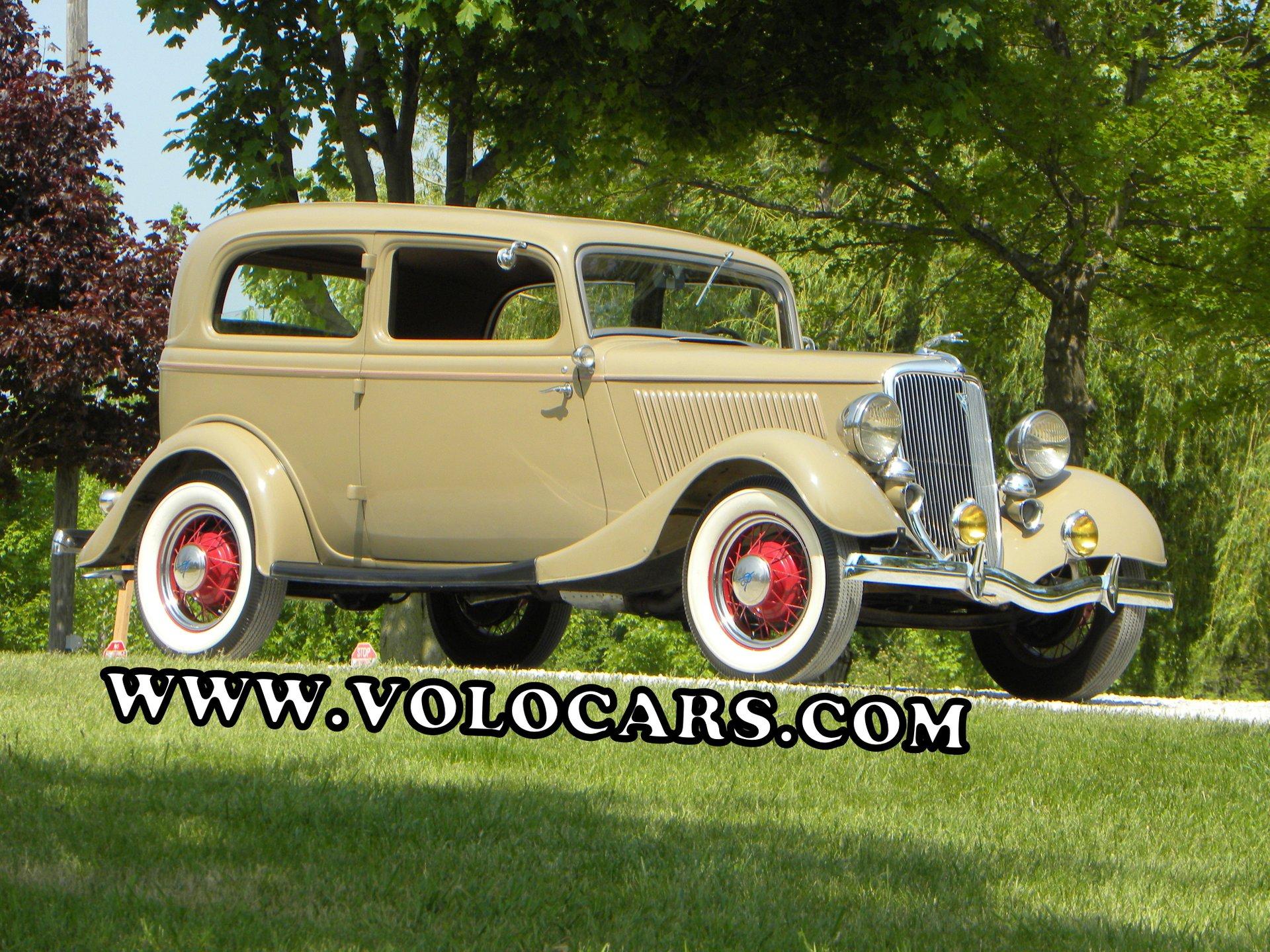 1934 Ford Model 40 | Volo Auto Museum