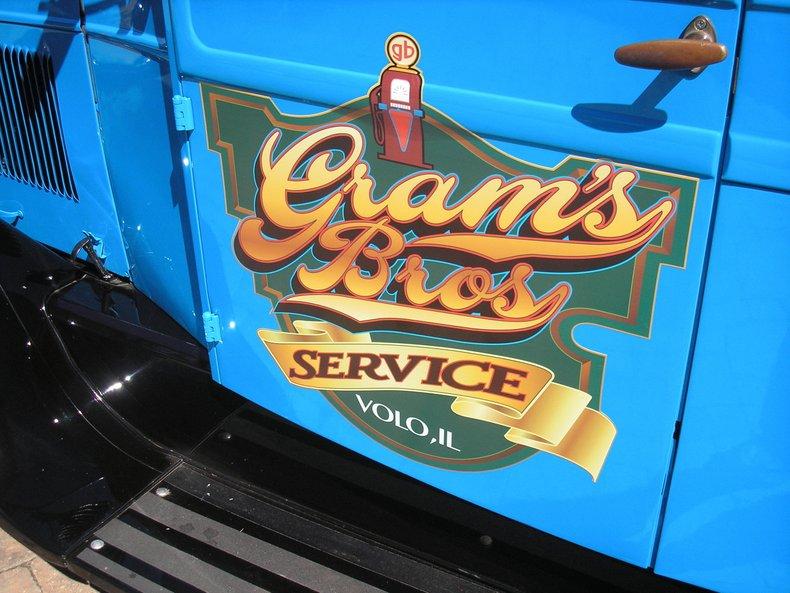1928 Graham Bros Tow Truck