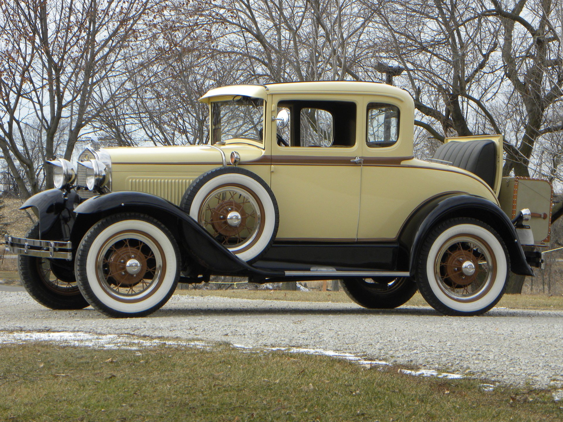 1931 ford model a deluxe coupe