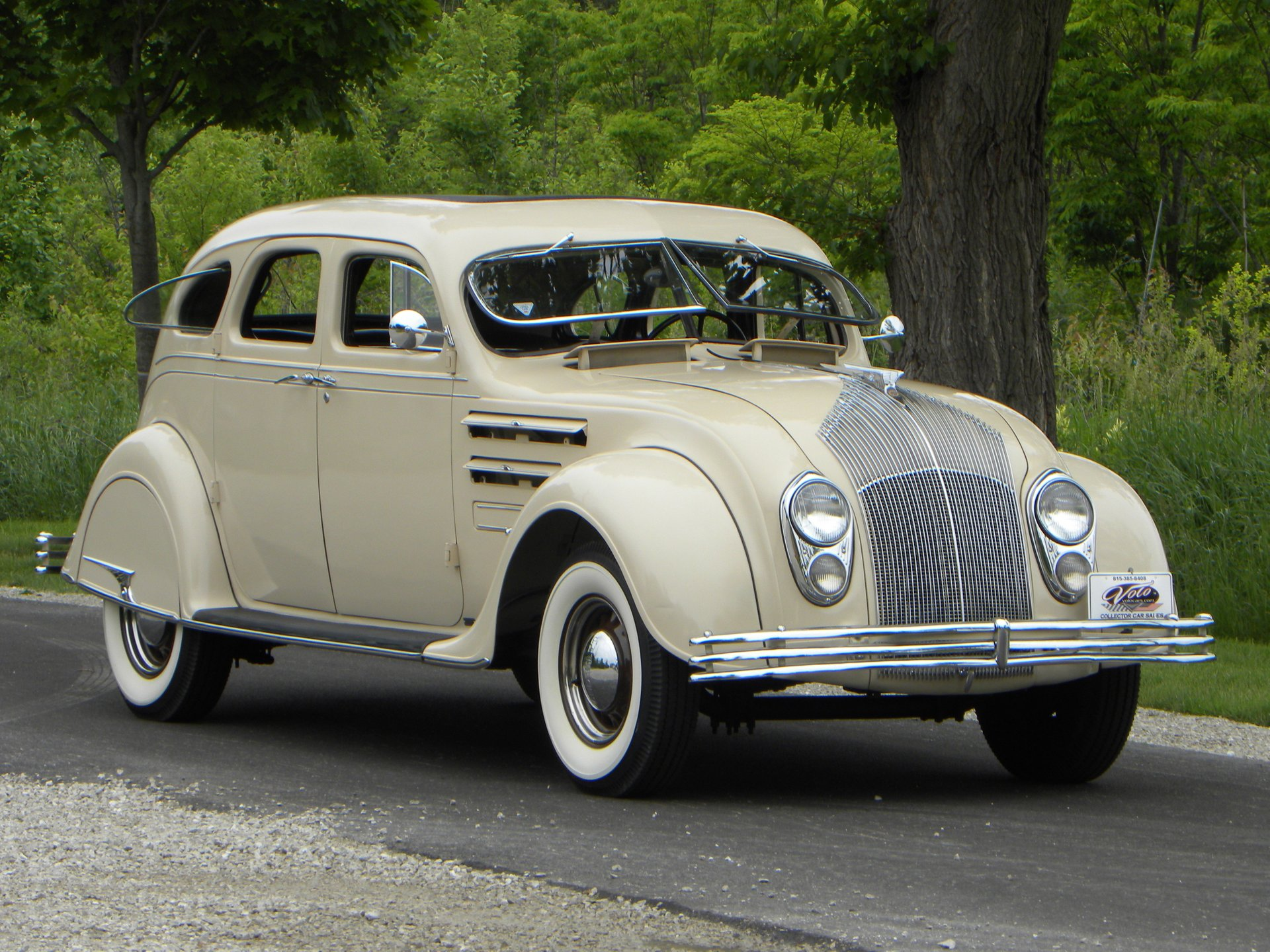 1934 chrysler airflow cu sedan