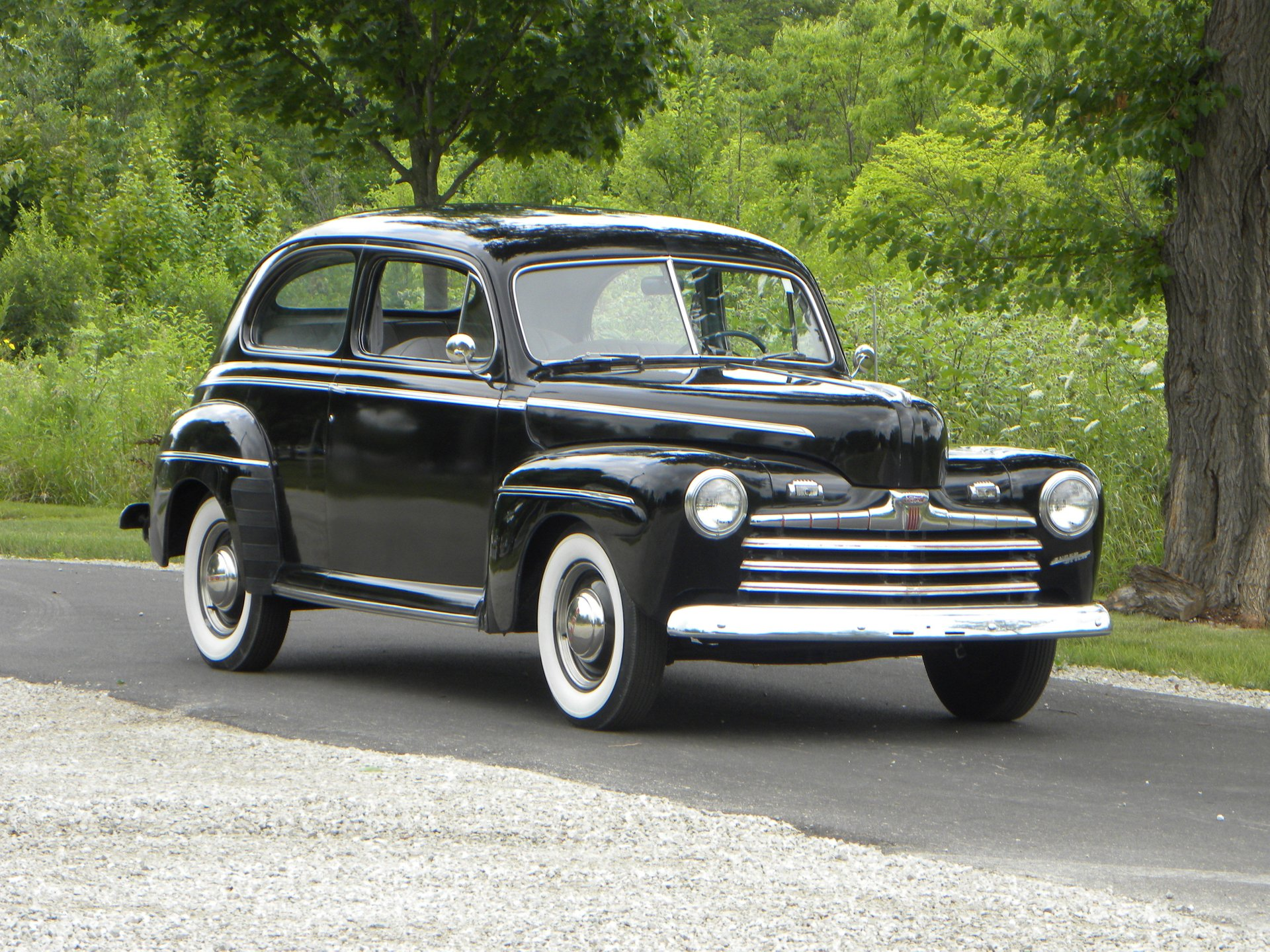 1946 ford super deluxe 2 door sedan