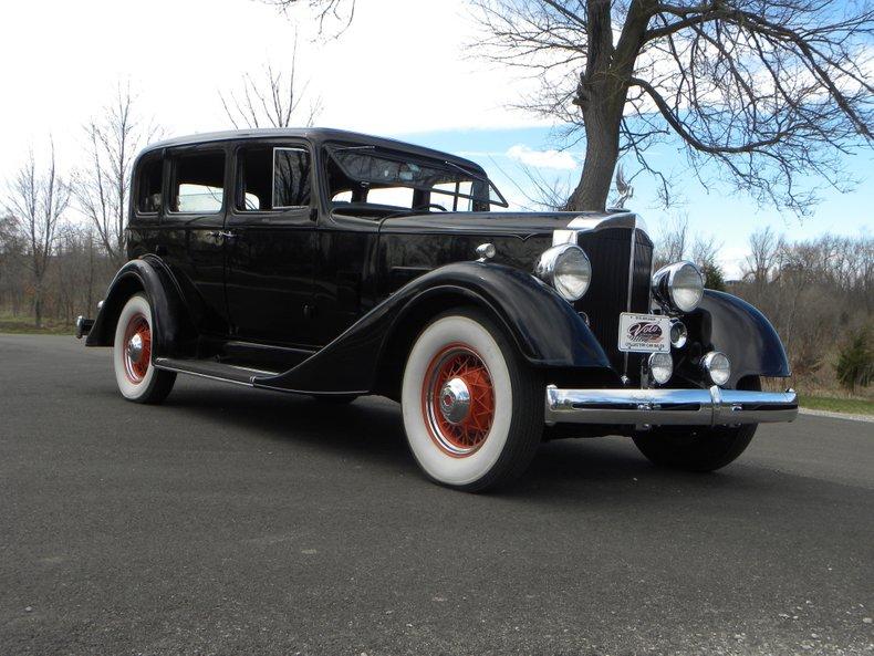 1934 Packard 1100 8