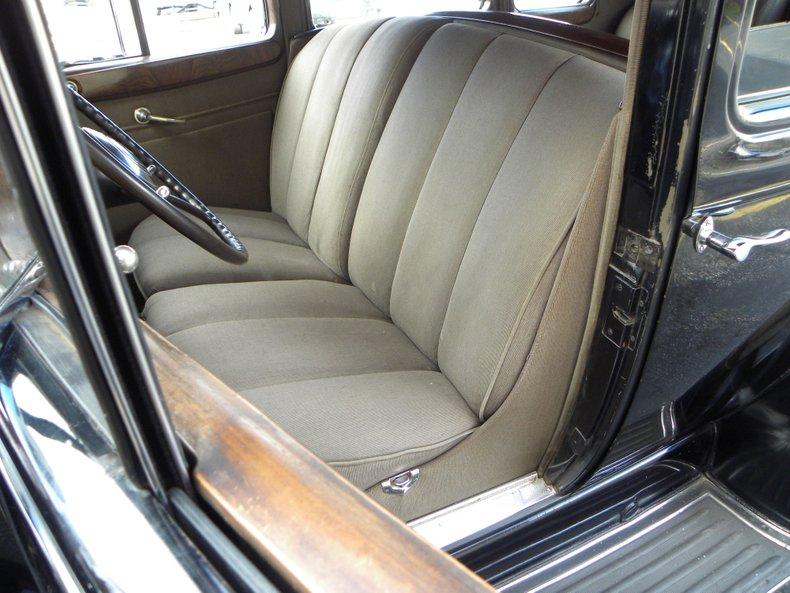 1934 Packard 1100 43