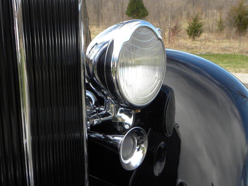 1934 Packard 1100 86