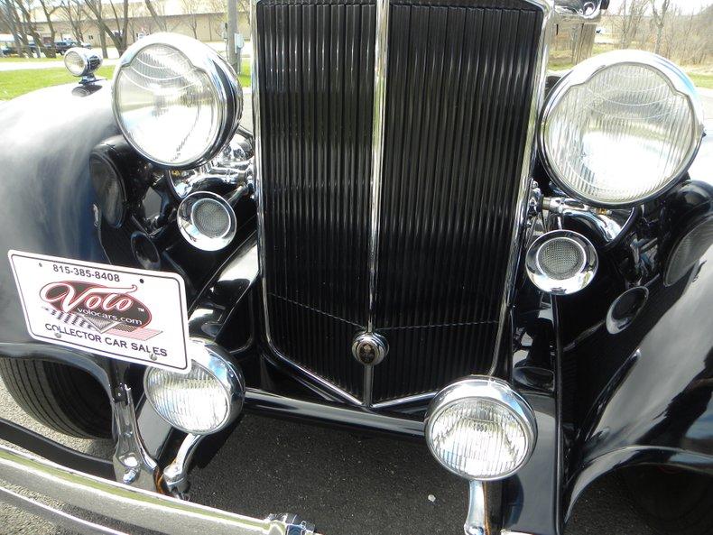 1934 Packard 1100 90