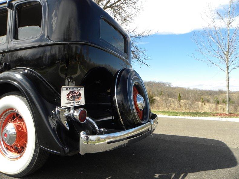 1934 Packard 1100 111