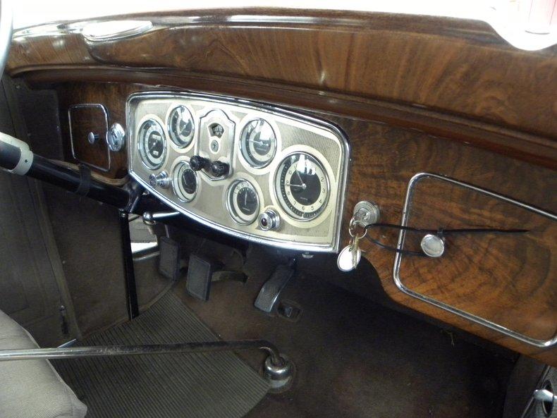 1934 Packard 1100 134