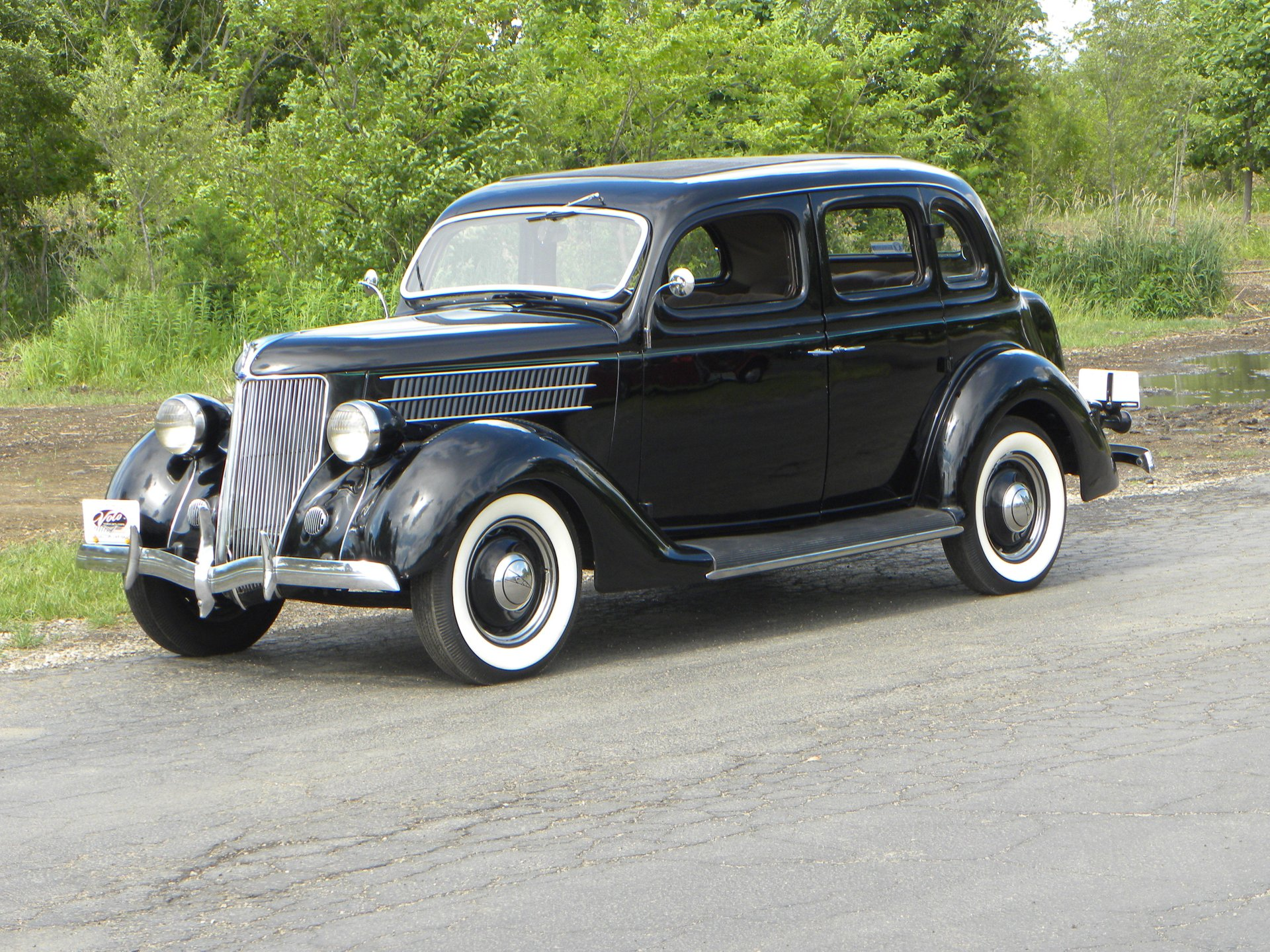 1936 ford model 68 4 dr trunk back sedan