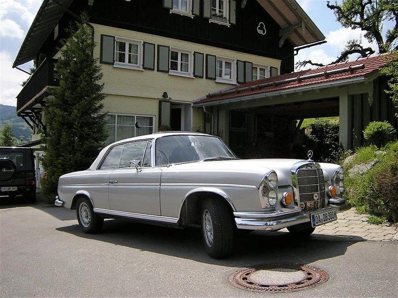 1967 Mercedes-Benz 300 SE