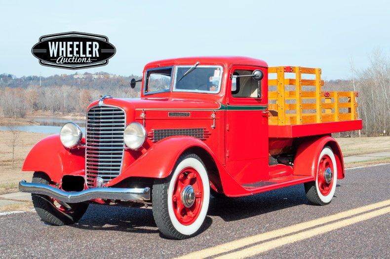 1935 Diamond T 211-AD