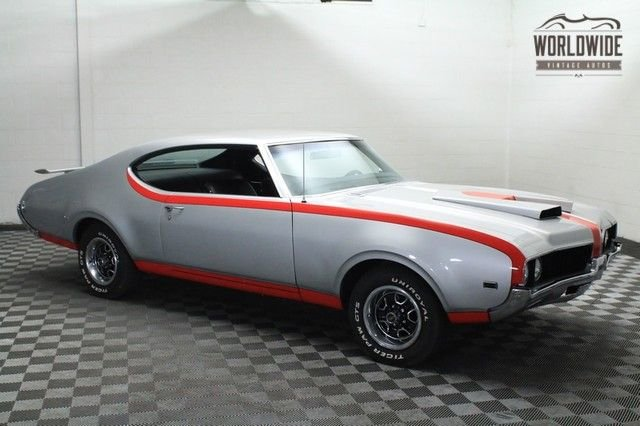 1969 Oldsmobile Cutlass - Hurst Tribute