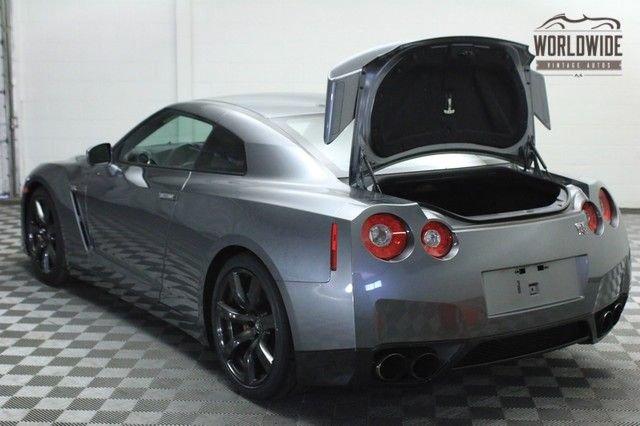 2010 Nissan GT-R